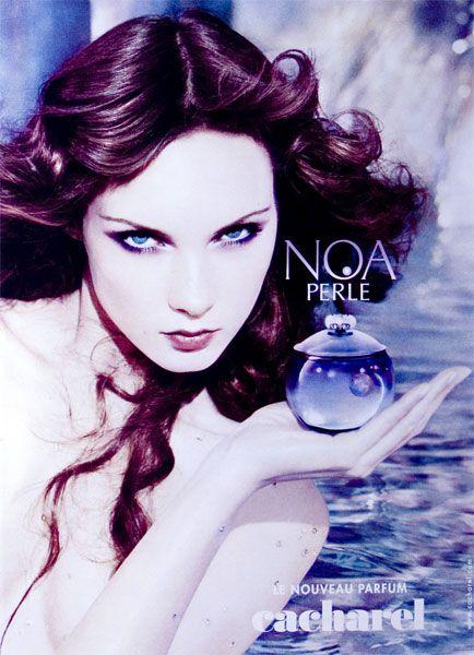 Publicité du parfum Noa Perle