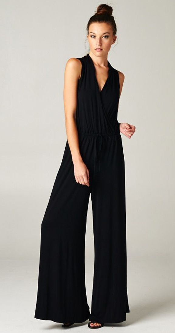 Effortlessy chic in the Sloane Jumpsuit <3