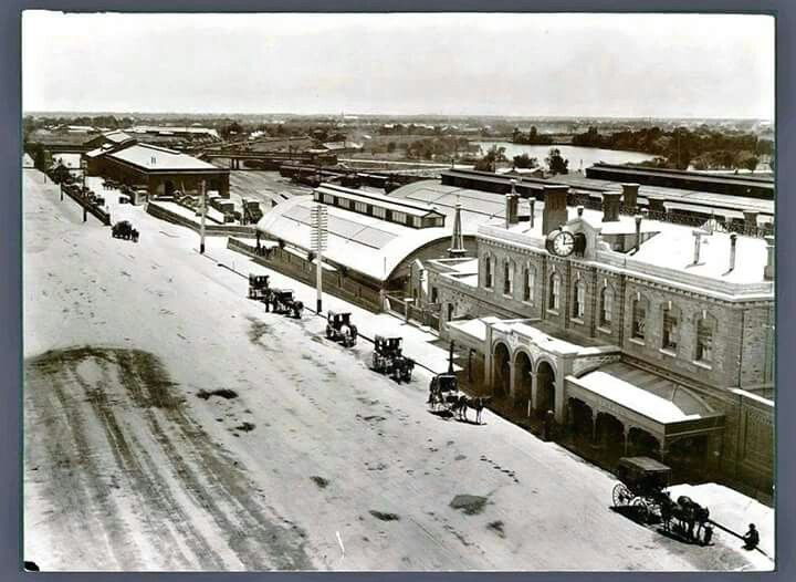 Adelaide Railway Station in 1906.
