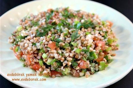 Karabuğday Salatası Tarifi  Çok faydalı ve gluten içeremeyen bir ürün olduğu söylenen karabuğday (greçka) ile hazırladığımız sala tarifini paylaşıyoruz sizlerle. Evdeborek yemek tarifleri olarak afiyet dileriz.   http://www.evdeborek.com/karabugday-salatasi-tarifi/1066/