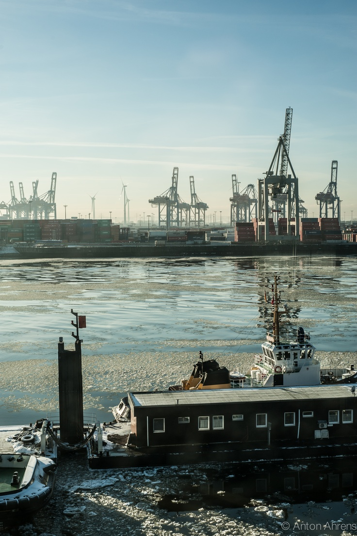 #hamburg #harbour #winter repinned by www.BlickeDeeler.de