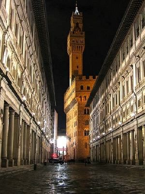 Firenze!!! Of all the places I've traveled lived in the world, I left my heart in Florence.