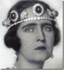 Queen Elizabeth of Greece wearing emerald tiara in its first appearance as a tiara.