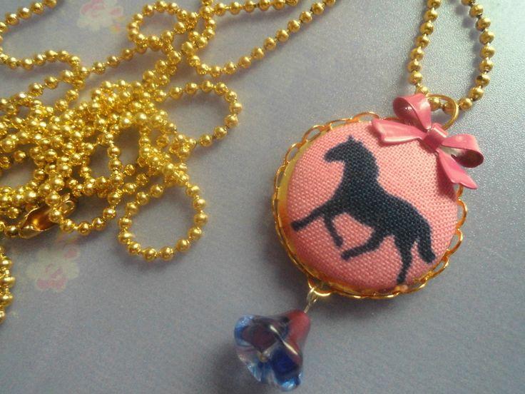 Holly* Pferd Kette Pink von Happy Lilly auf DaWanda.com