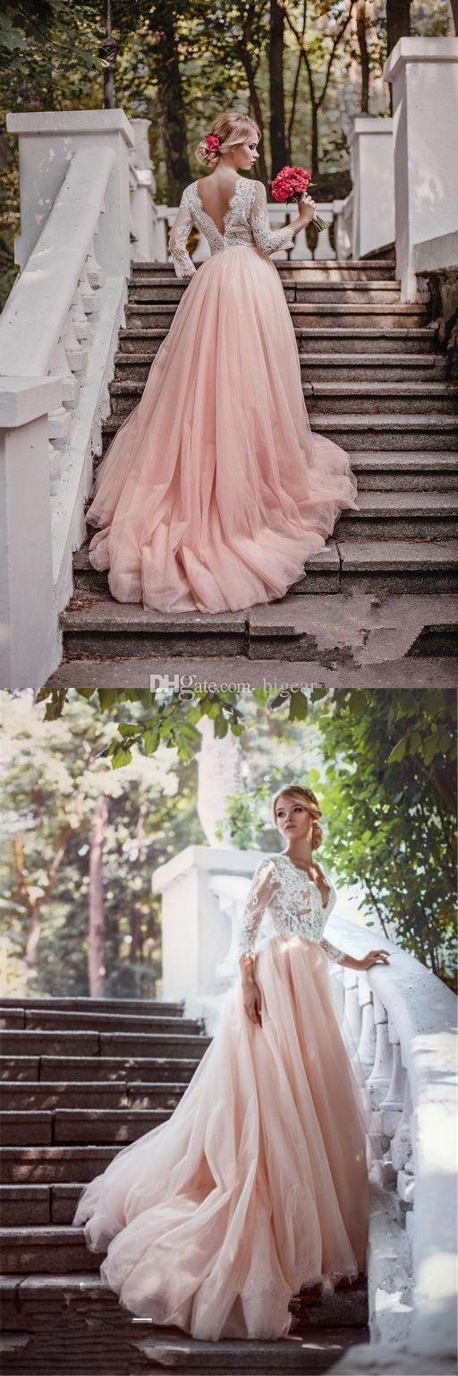 Tres cuartos mangas País Blush vestido de novia con V abierto