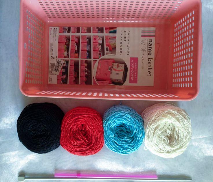 Crochet Rockstar: Yarns Organizing Idea   http://crochet-rockstar.blogspot.com/