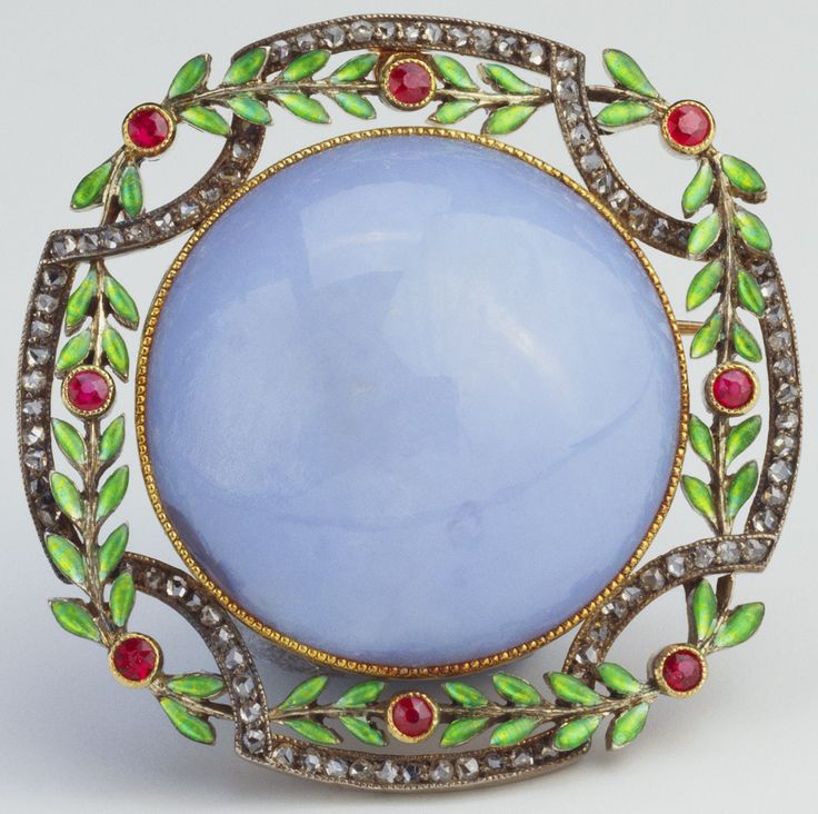 Fabergé Brooch, 1900 | Silver-gilt, chalcedony, enamel, rose diamonds, rubies. Probably acquired by Queen Alexandra, c. 1900.
