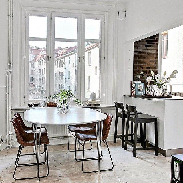 Spana in denna läckra topprenoverade citytvåa i etage med kompromisslös kvalitet. Finns att hitta på bjurfors.se om en liten stund!  Välkommen till Karl Gustavsgatan 20B!  #bjurfors#bjurfors_goteborg#livingroom#vardagsrum#Interior#home#inredning#tillsalu#mäklare#göteborg#asafotoninspo#nyahemmet#interior4all#onlyinterior