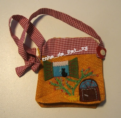 Tutorial per fare due borsette da bambina, a forma di animale {gatto e gufo} e una a forma di casetta by Roba da Pat...zy: borsettina per bimbettina