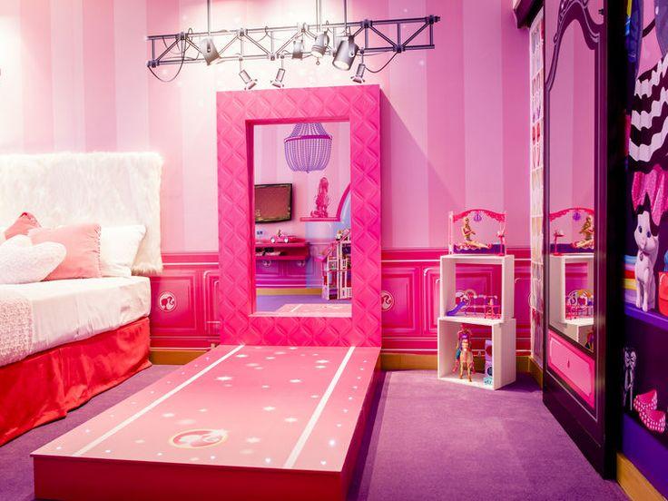 Fantas a en tonos rosados en la habitaci n tem tica de for Cuartos de ninas lujosos