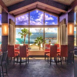 Sunset dining at L.G. Smith's Steak and Chop - Renaissance Aruba Resort and Casino