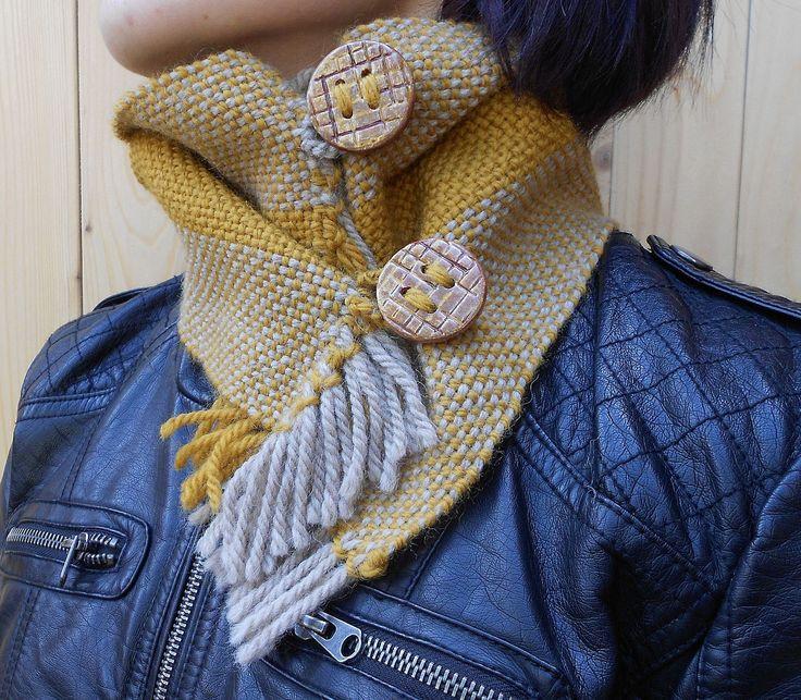 Sciarpa scalda collo tessitura a mano in lana e alpaca colori tortora e senape di LeDueTerreeDintorni su Etsy