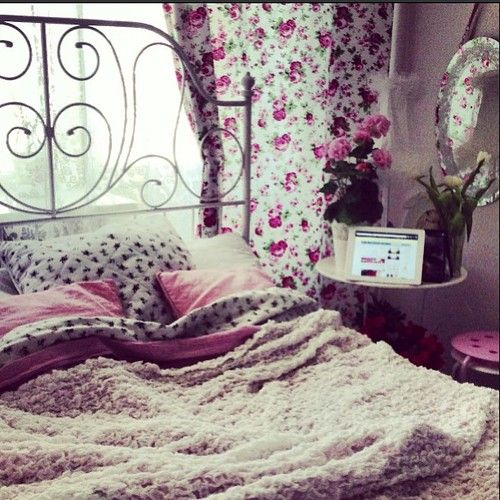 I couldn't have our room like this, probably, but I would love to! lol