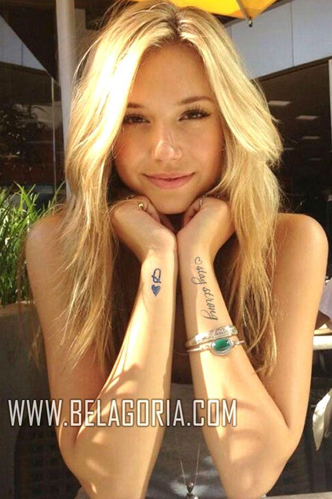 Tatuajes femeninos para la muñeca