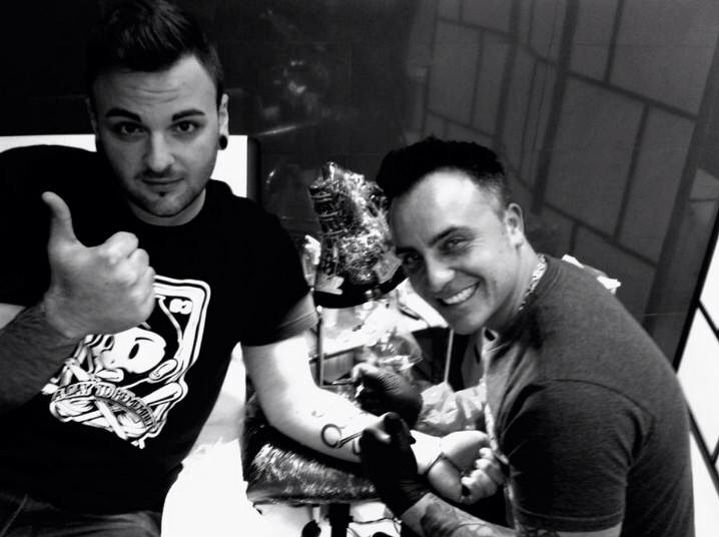 Best friends tattoo ghitar