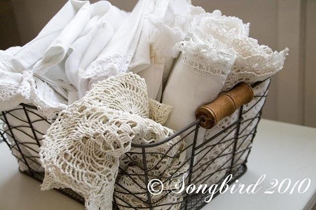 lace linens: Storage Solutions, Flea Markets, White, Doily Linens Lace, Wire Baskets, Vintage Linens, Songbird, Market Score