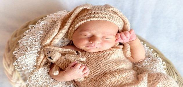 اهم مراحل نمو الطفل الرضيع وتغذيته Birth Announcement Photos Baby Boy Announcement Birth Announcement Card