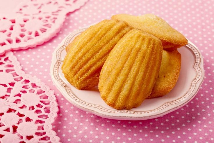 """La recette: Madeleines à l'anciènne, via le site """"Les Recettes de ma Mère"""" (à l'ancienne,dessert,gateaux,madeleines,miel,recette).  http://lesrecettesdemamere.net/recette/madeleines-ancienne/"""