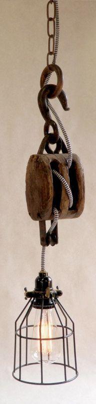 Oneindig veel mogelijkheden! Hang grove items op en je hebt een kunstwerk! http://foir.nl/industrie-hanglampen/handgemaakte-kooi-industrie-lamp.html