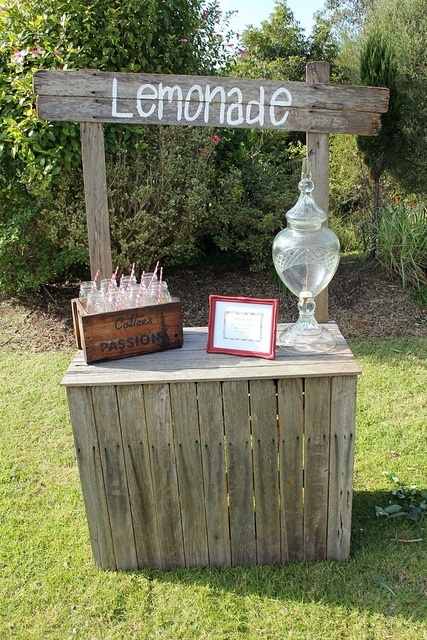 Rustic lemonade stand party drinks drink station for Rustic lemonade stand