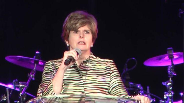 @gif  Laurent et Pierrette Gobetout Oups….. Cindy Jacobs la célèbre prophétesse américaine de la Nar (nouvelle réforme apostolique) était invitée pour intervenir en France. Une convocation n…