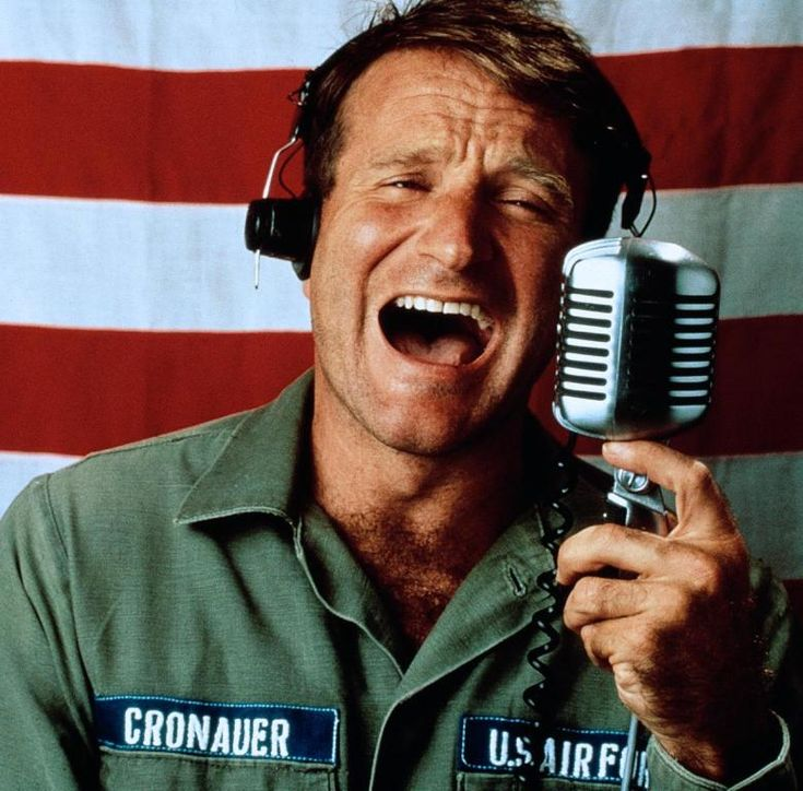 Adrian Cronauer (Robin Williams) ~ Good Morning, Vietnam (1987) ~ Movie Stills ~ #80smovies #comedies #moviestills #moviescenes