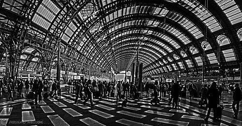 Milano Street Station - © Massimo Mazzoni