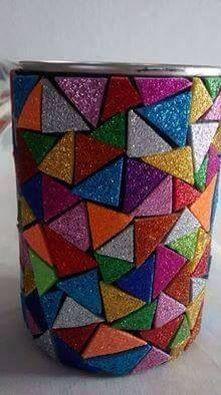 Reciclagem. Latina com colagem de EVA. Por Marilu Curriel.