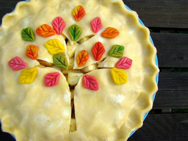 Fall Tree Pie Crust with edible cinnamon and sugar or powdered food dyes.