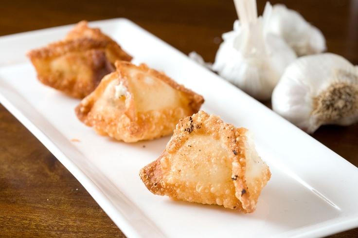 WAN tan fritos con Ajos y Crema de Queso - Roasted Garlic Cream Cheese Wontons