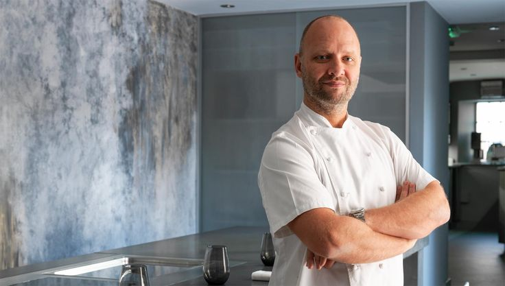 Simon and Peggy Rogan's latest venture, Roganic, seeks to bring the finest fresh produce from around the country via an informal dining experience. #London #restaurant #michelinstar