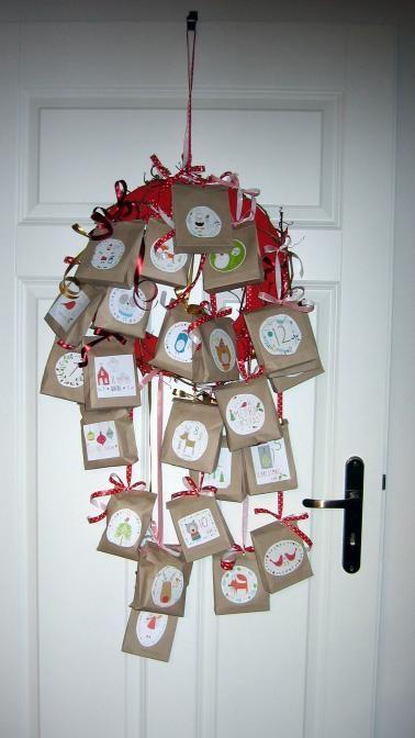 Adventní kalendář na dveřích