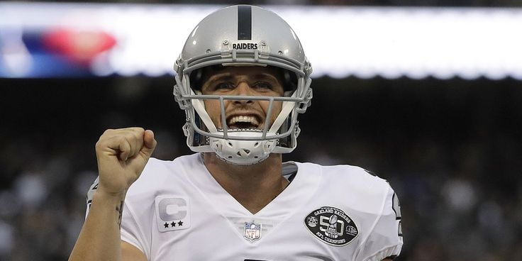 Derek Carr, Raiders pull off amazing comeback victory over Chiefs on #TNF http://www.nfl.com/news/story/0ap3000000864198/article/derek-carr-raiders-pull-of-amazing-comeback-vs-chiefs?campaign=Twitter_atn …