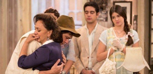 Êta Mundo Bom! - Candinho reencontra a mãe e os dois se emocionam #Hoje, #M, #Mundo, #Novela, #QUem http://popzone.tv/2016/04/eta-mundo-bom-candinho-reencontra-a-mae-e-os-dois-se-emocionam.html