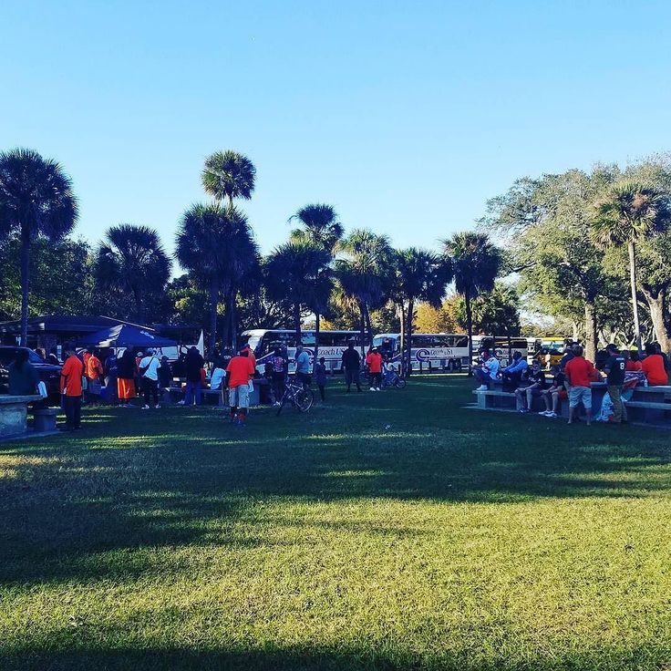 Perfect Miami weather and location for an amazing Miami Hurricanes tailgate! Thanks @steviesparx!  #SuperTailgate #tailgate #tailgating #win #letsgo #gameday #travel #adventure #stadium #party #sport #ESPN #jersey #sports #league #SportsNews #score #photooftheday #love #football #NCAAF #CollegeFootball