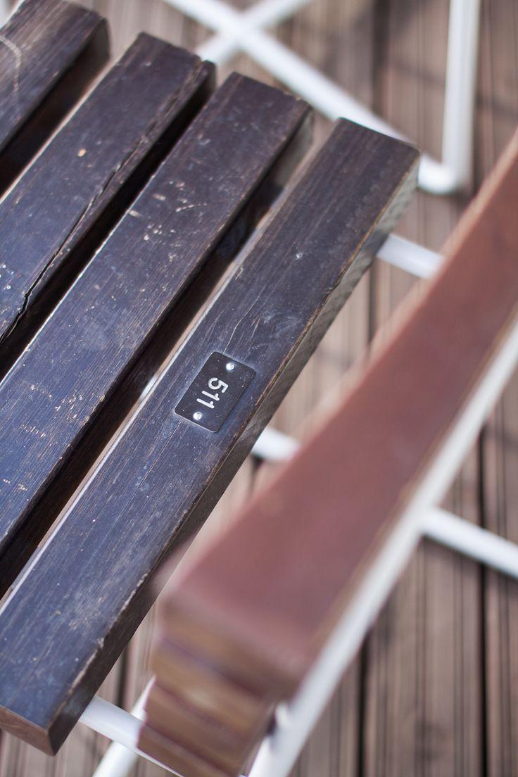 Vepsäläinen ja Olympiastadion päättivät antaa uuden elämänstadion-istuimille ja tuottaa näistä suomalaisia design-kalusteita. Legendaariset penkit saivat taitavissa käsissä alleen kevyen metalliru…