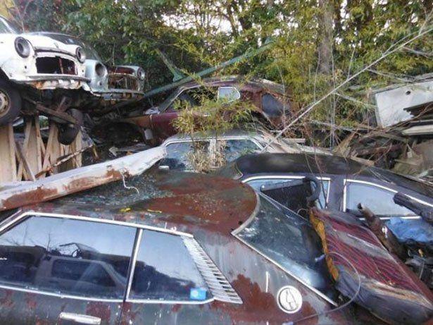 images of japanese scrap yards   Car Graveyard In Japan ...