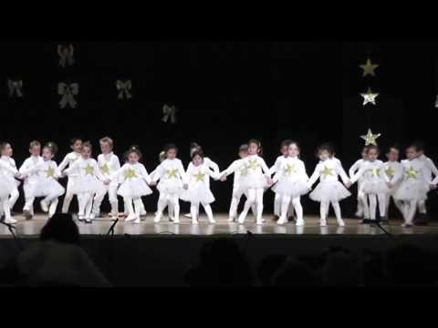 """Villancico de Shakira"" - 4º A (Actuación de Navidad, diciembre de 2013) - YouTube"