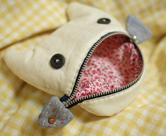 Love it! Monster-chic coin purse. Would make a good present.