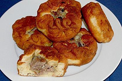 Beljaschi, ein schmackhaftes Rezept aus der Kategorie Snacks und kleine Gerichte. Bewertungen: 16. Durchschnitt: Ø 4,3.