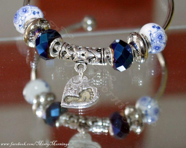 Patterned solid silver foot print bracelet charm www.facebook.com/MistyMornings www.etsy.com/uk/shop/MistyMorningsKS
