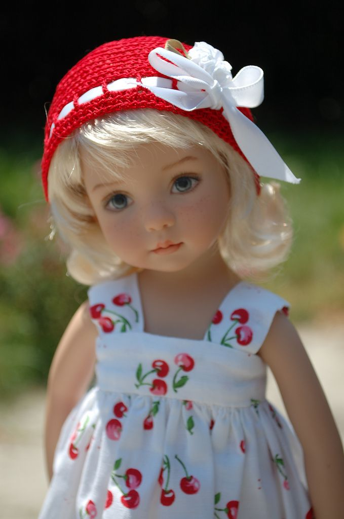 Diana Effner this would be a cute barbie baby girl dress :)