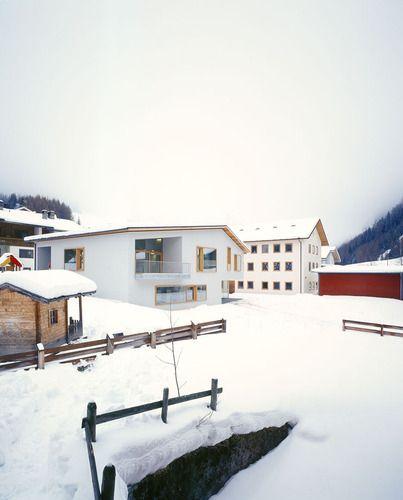 Predoi // Bolzano // scuola materna e biblioteca