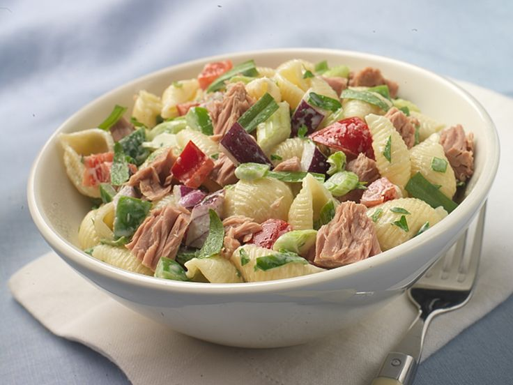 Make Life Easy with this Conchiglie (Seashell Pasta) Salad with Tuna and Bell Peppers recipe! LIKE us at https://www.facebook.com/goldseal  #PinToWin #NoDrainer #MakeLifeEasy