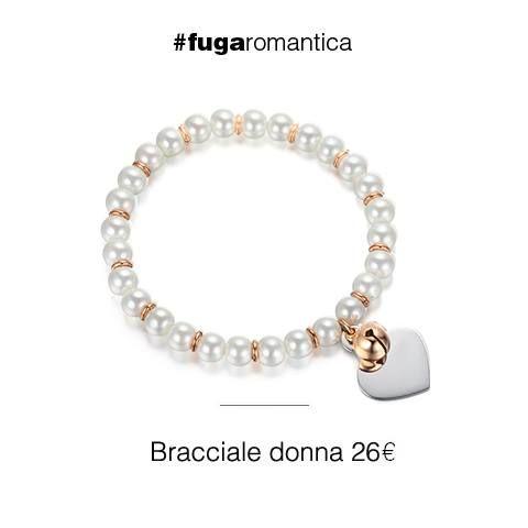 Bracciale con perle sintetiche, cuore in acciaio e campanello in IP rosa Luca Barra Gioielli. #bracciale #lucabarra #tendenzemoda #outfit #blogdimoda #newcollection #fashion #style