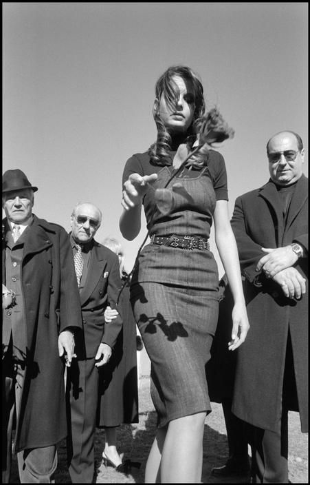 Mafia funeral, Queens, New York, 2005.  Bruce Gilden / Magnum