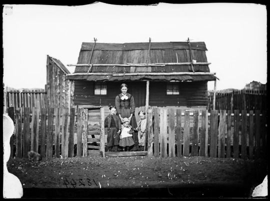 Family and House, Gulgong c. 1870-75  State Library of New South Wales