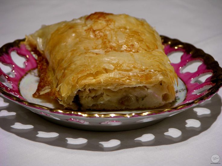 White fish in flaky puff pastry cod pinterest puff for Swai fish recipes food network