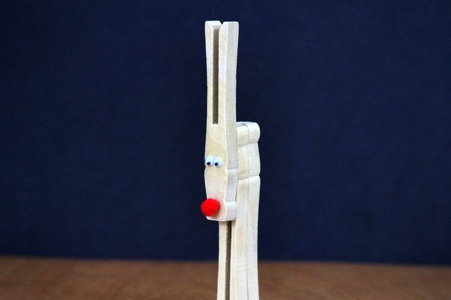 Christmas Crafts Using Clothes Pins | Christmas Crafts Using Clothespins