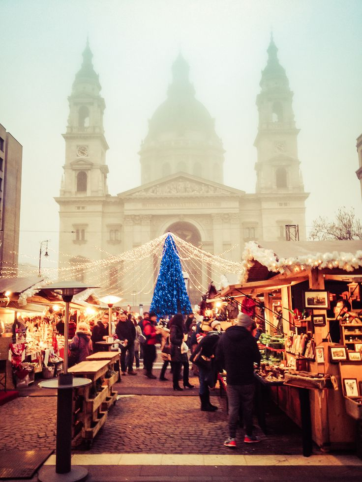 Mercadillo y 'Winter Festival' en la plaza de Vörösmarty en Budapest - Los mejores mercadillos navideños de Europa